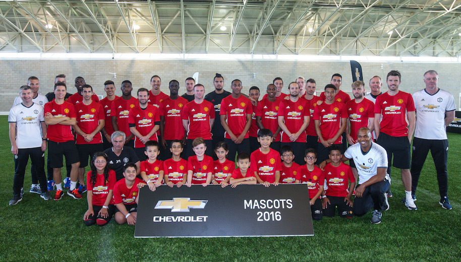 Photographs © Copyright by Julian Andrews. Eye R8 Productions Ltd. 2015. 22/09/2016. Manchester, England Chevrolet Mascot Moment 2016. Day 3. Chevrolet Mascots 2016 collecting autographs from the current 1st team squad.