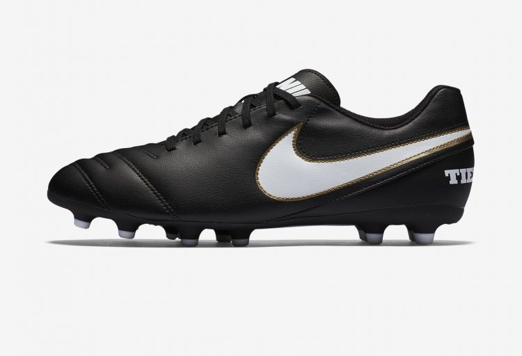 Best soccer cleats - Nike Tiempo