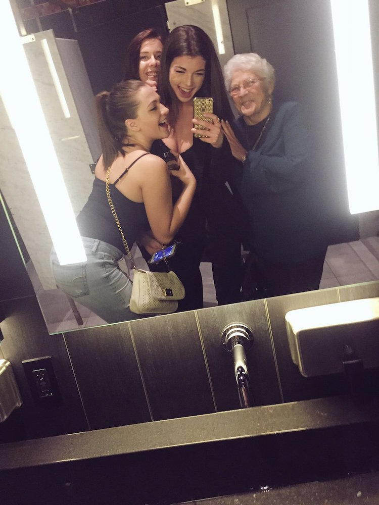 girls bring old lady back to the past4