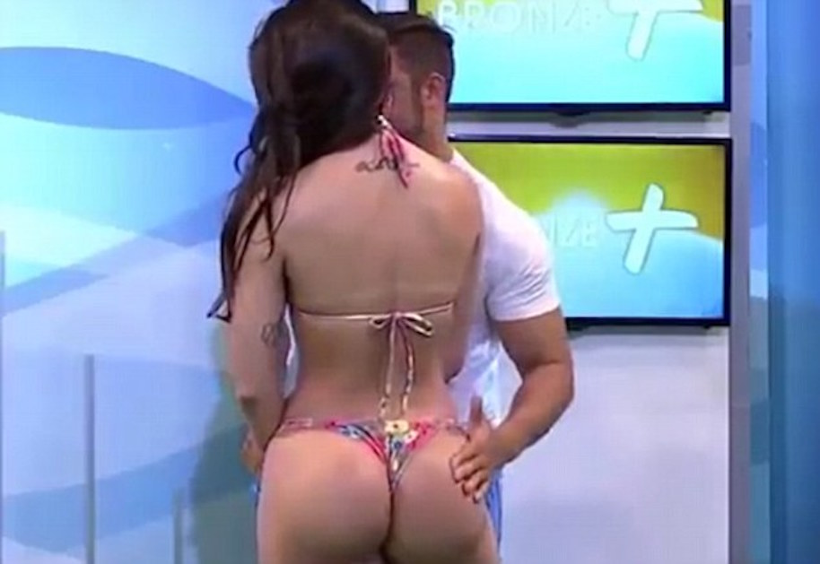 Bikini Model Slaps Presenter On Live Tv