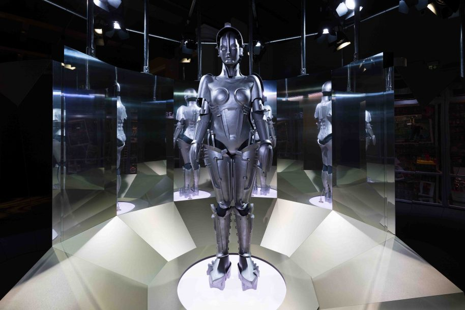 Model of Maria in the Dream section of the Robots exhibition ∏ Plastiques Photography, courtesy of the Science Museum