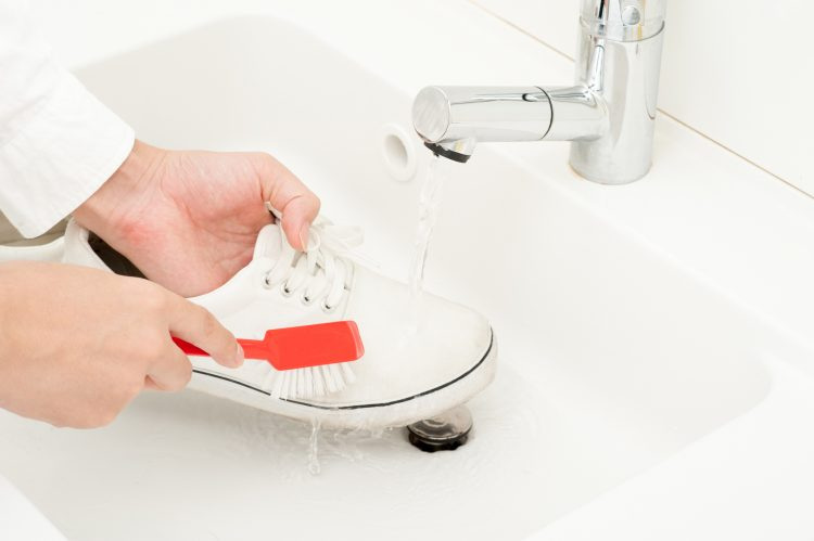 How to Clean Shoes