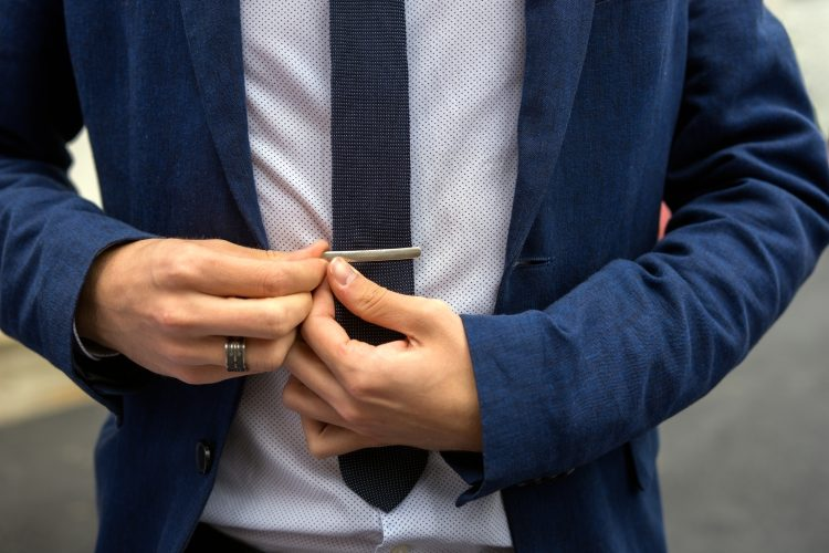 Tips on how to wear a tie clip
