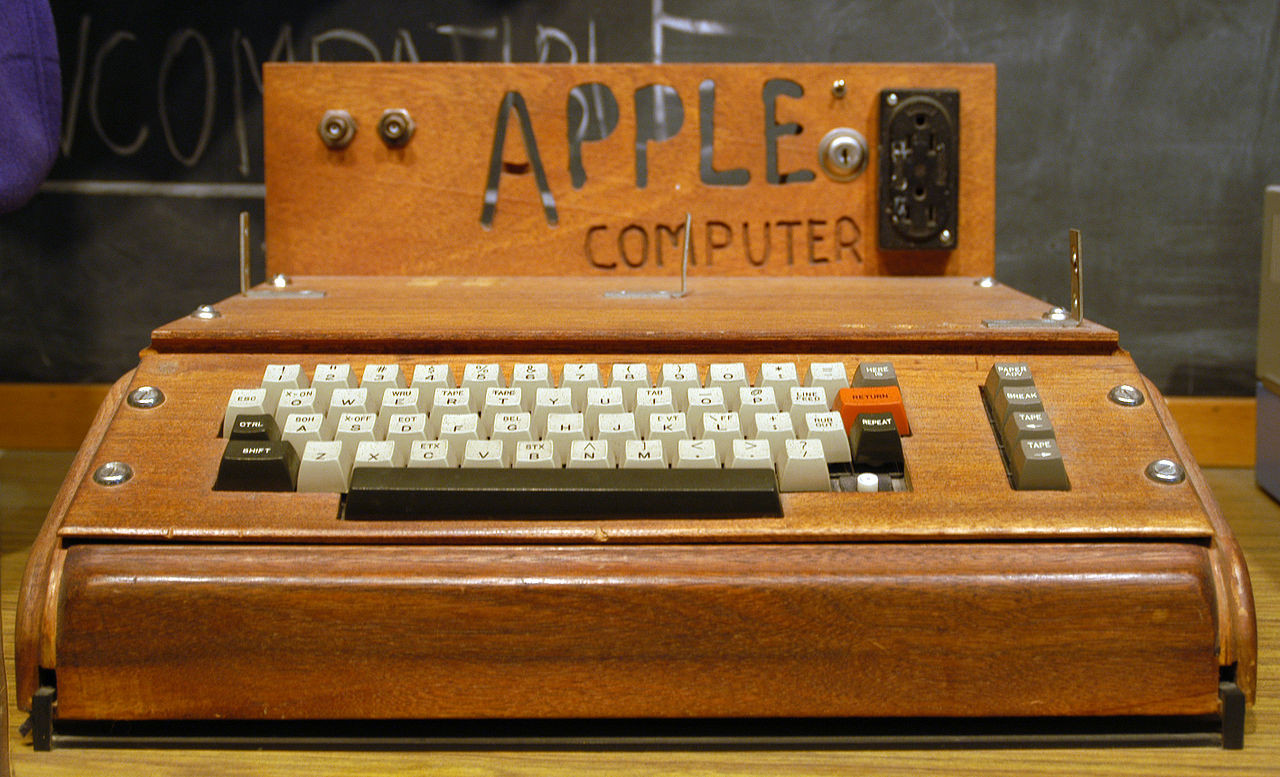 BEGIN SLIDESHOW Apple I 1976