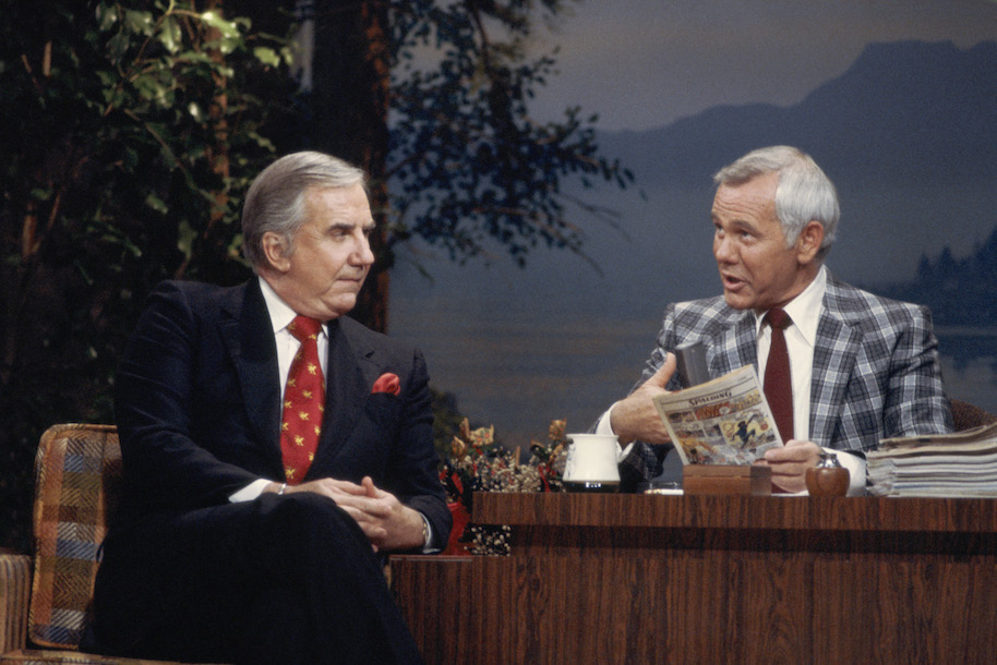 THE TONIGHT SHOW STARRING JOHNNY CARSON -- Aired 09/05/1980 -- Pictured: (l-r) Co-host Ed McMahon with host Johnny Carson -- Photo by: NBCU Photo Bank