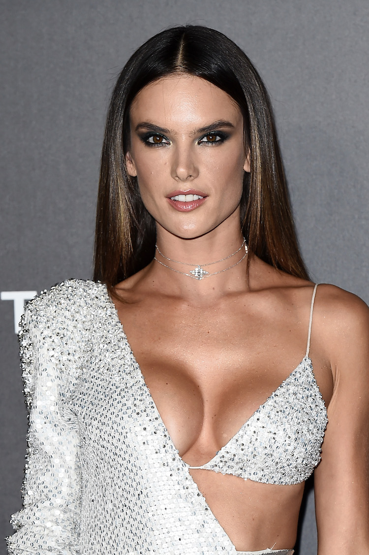 Cleavage Alessandra Ambrosio nude (72 photo), Ass, Hot, Twitter, cameltoe 2017