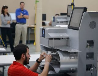 Florida's Voting Machines Too Hot For Midterm Recount