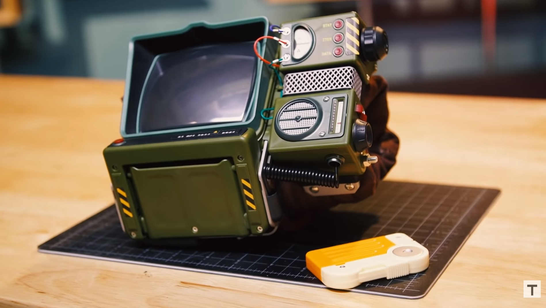 Vault-Tec Approved: 'Fallout' Pip-Boy Construction Kit