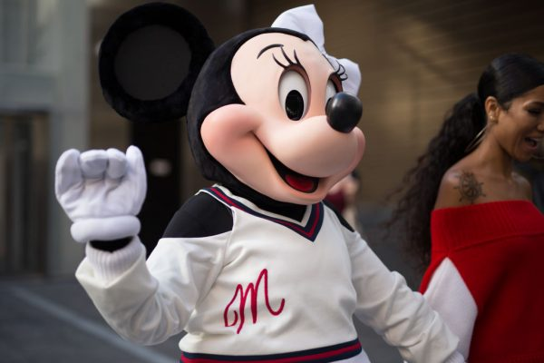 Minnie Mouse Lands First Punch in Vegas Disney Brawl, Bet You Didn't See Her Comin'