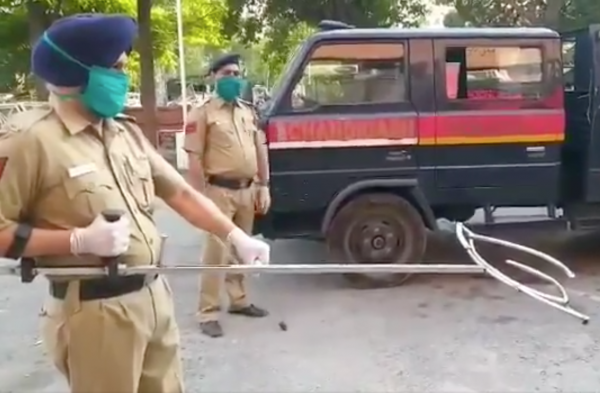 India Cops Use Giant Tongs to Apprehend Criminals in the Age of Coronavirus, Don't Try the Salad